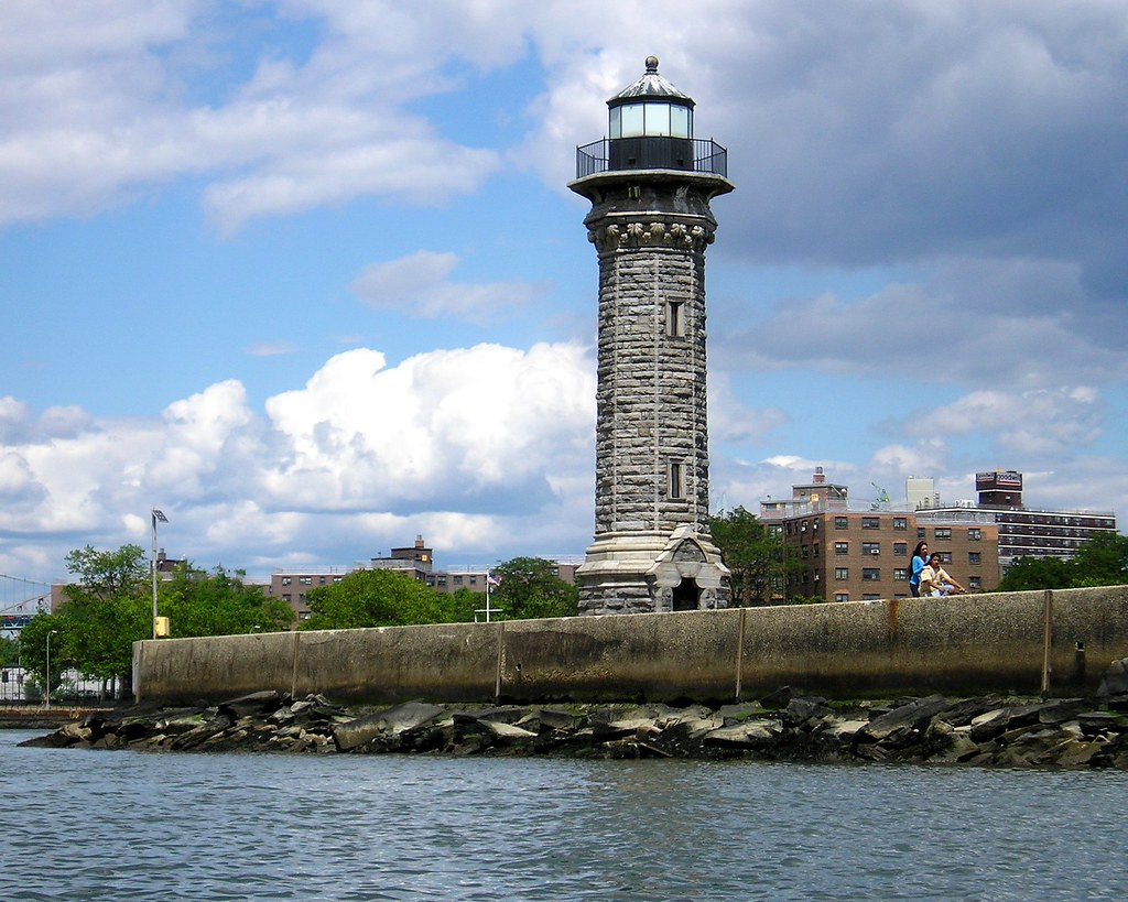 Lighthouse Memorial Park